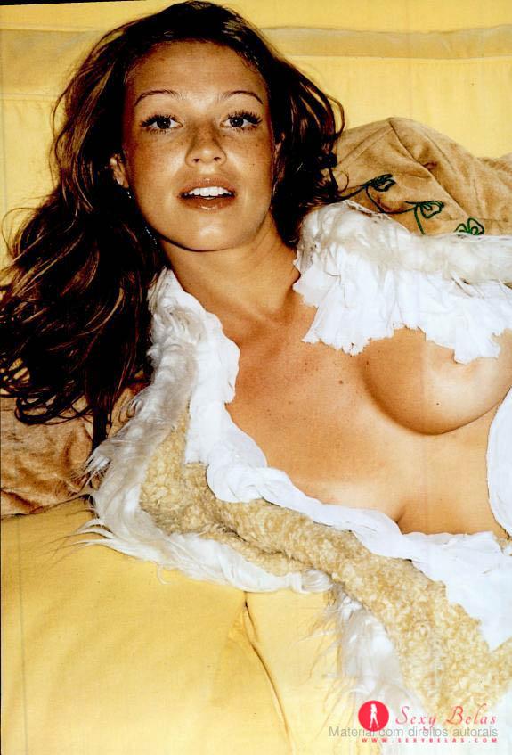 Fotos da linda e gostosa Luana Piovani nua na trip (2002)