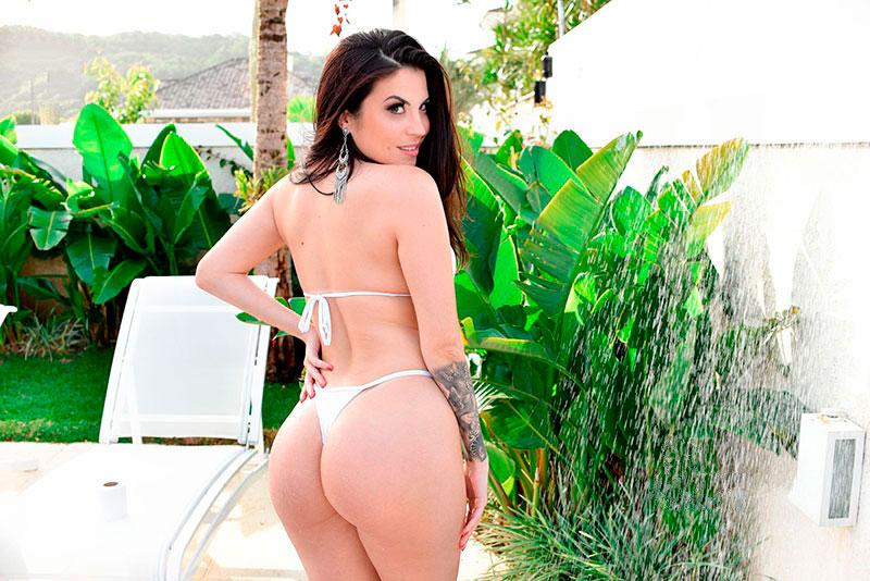 Jessica Amaral Toda gostosa desfilando de biquini