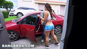 Video sexo gratis mostra ninfetinha gostosa dentro do carro